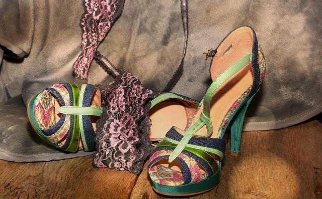barevné dámské boty, podpatky