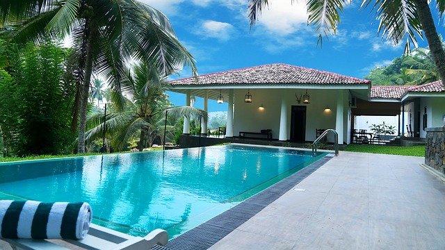 bazén na dovolené