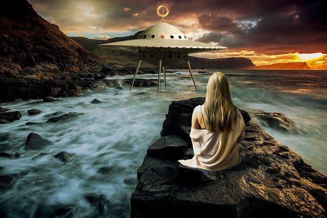 žena a ufo.jpg